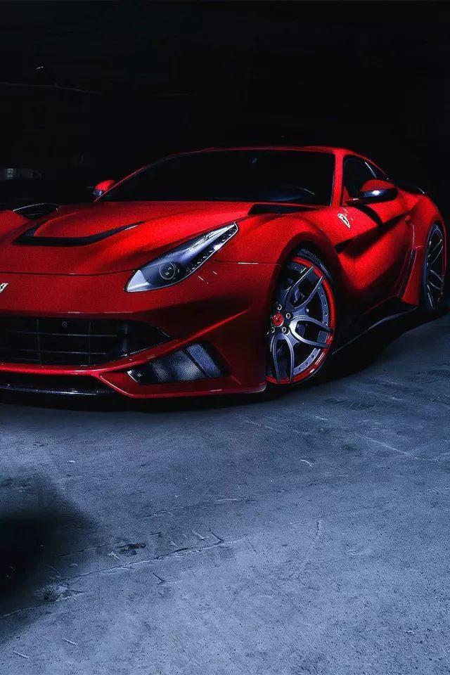 法拉利Ferrari F12